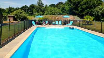 Holidays in brittany france kermarch farmhouse cottage - Swimming pool marie madeleine lyrics ...
