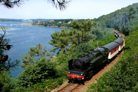 Trieux steam train